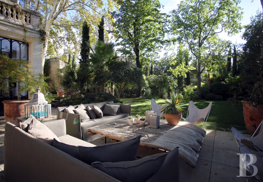 A former mansion transformed into a guest house  in the middle of the largest private garden in the papal city of Avignon  - photo  n°8