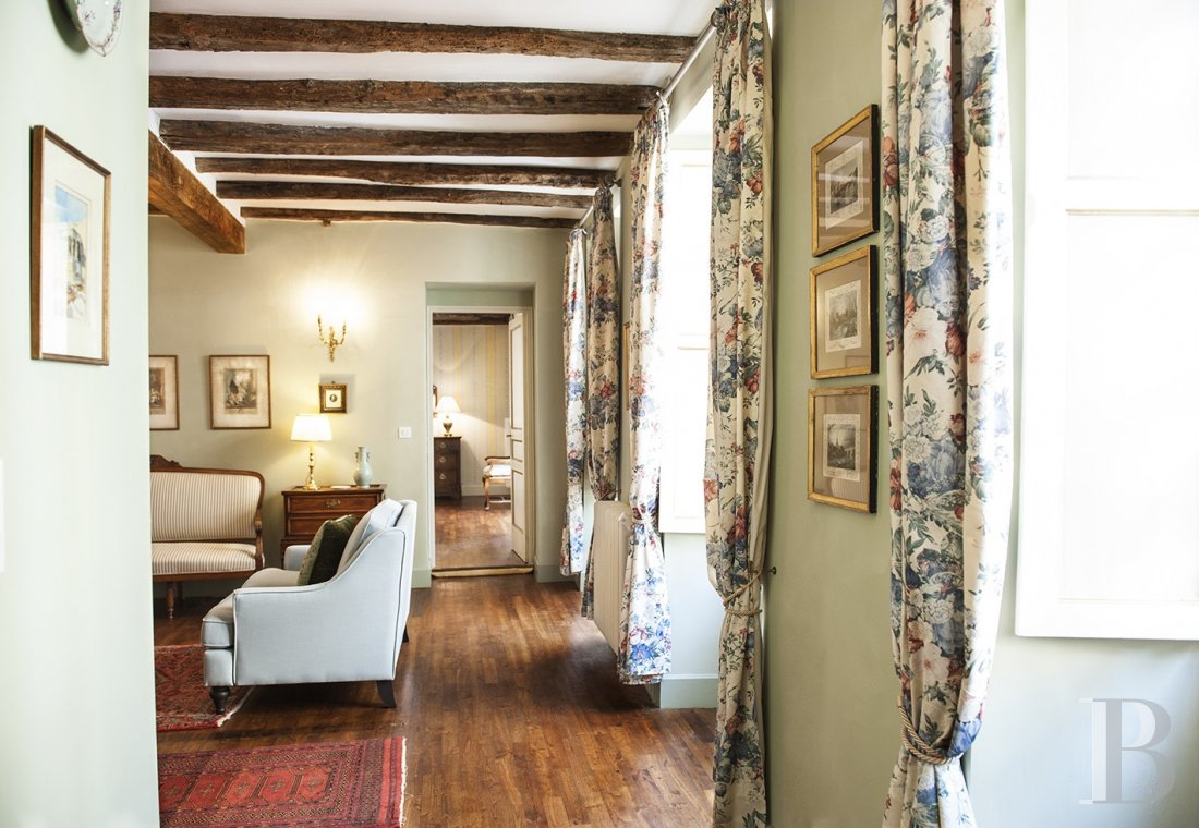 A former mansion with medieval origins now housing five bright suites in Sarlat - photo  n°15