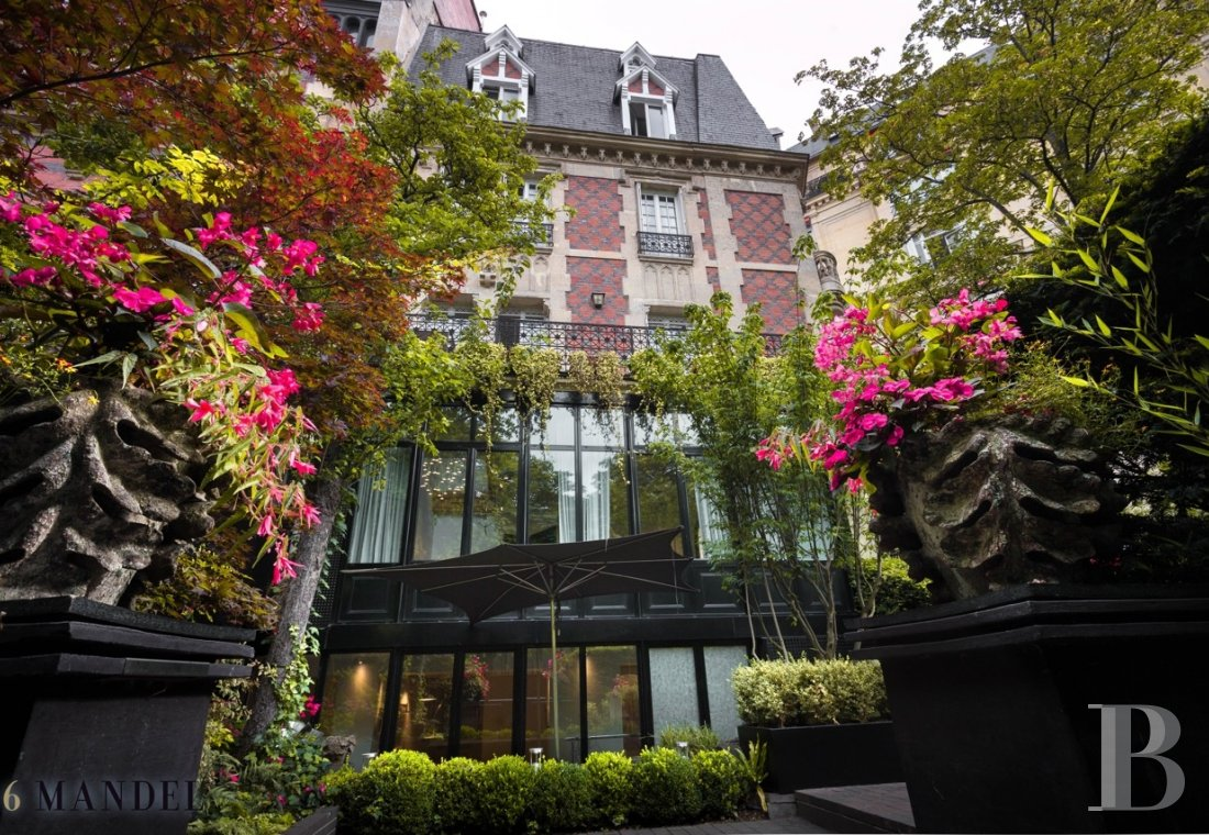 A hotel specialising in botany with a flare for hosting  near to Trocadéro in Paris - photo  n°1