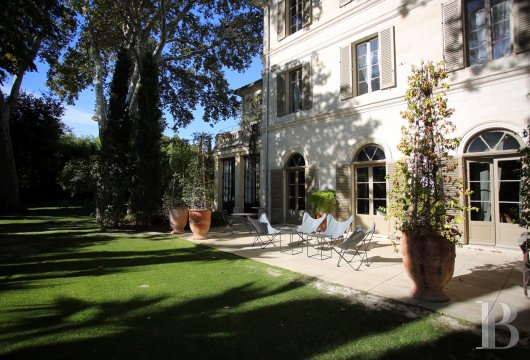 A former mansion transformed into a guest house  in the middle of the largest private garden in the papal city of Avignon  - photo  n°3