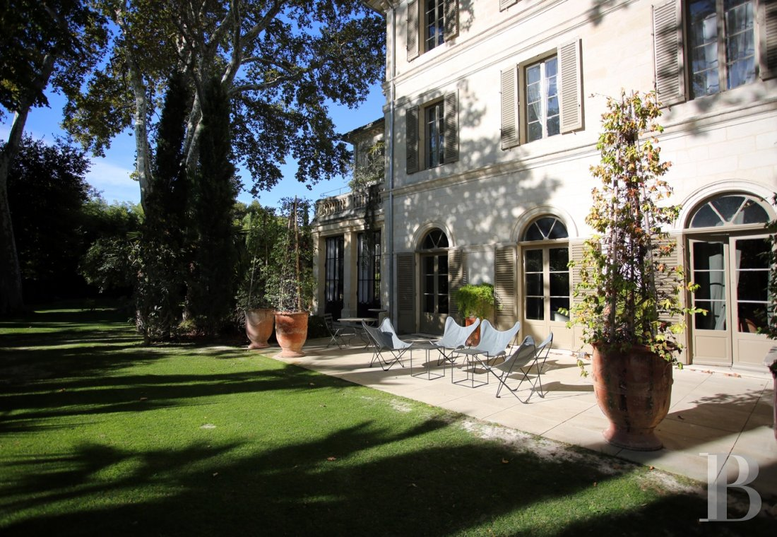 A former mansion transformed into a guest house  in the middle of the largest private garden in the papal city of Avignon  - photo  n°10