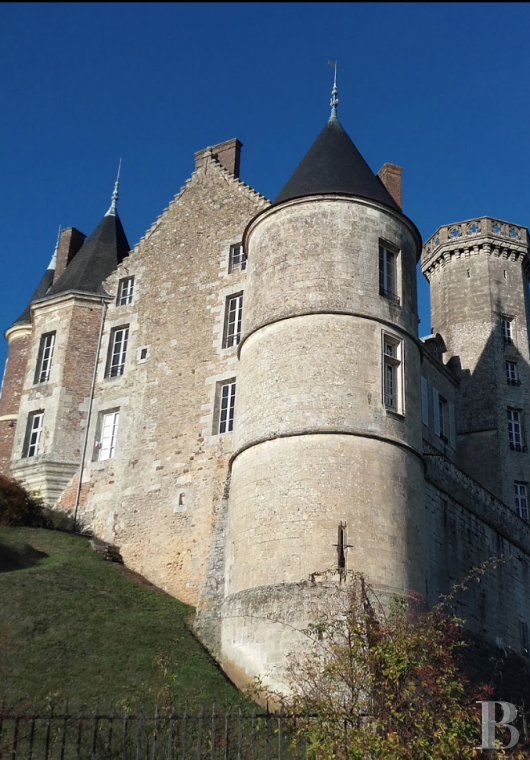 A chateau with a long and captivating history,  watching over the entrance to the Perche Sarthois - photo  n°25
