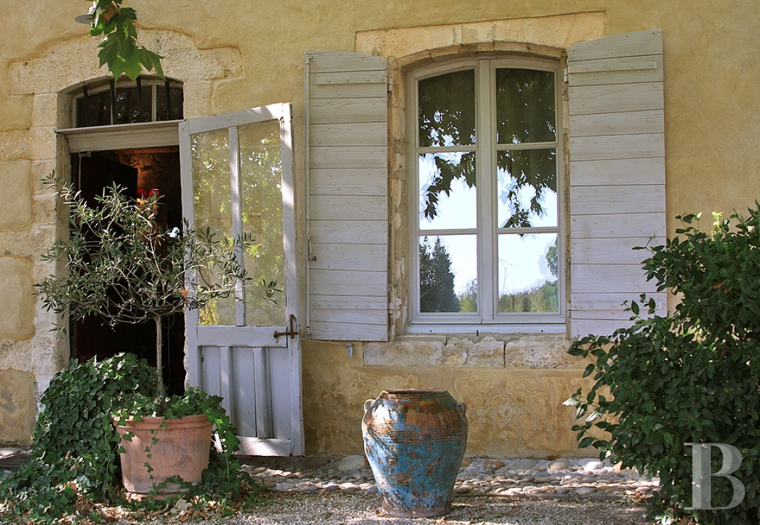 A former 17th century coaching inn  for provincial holidays with family or friends to the east of Avignon  - photo  n°10