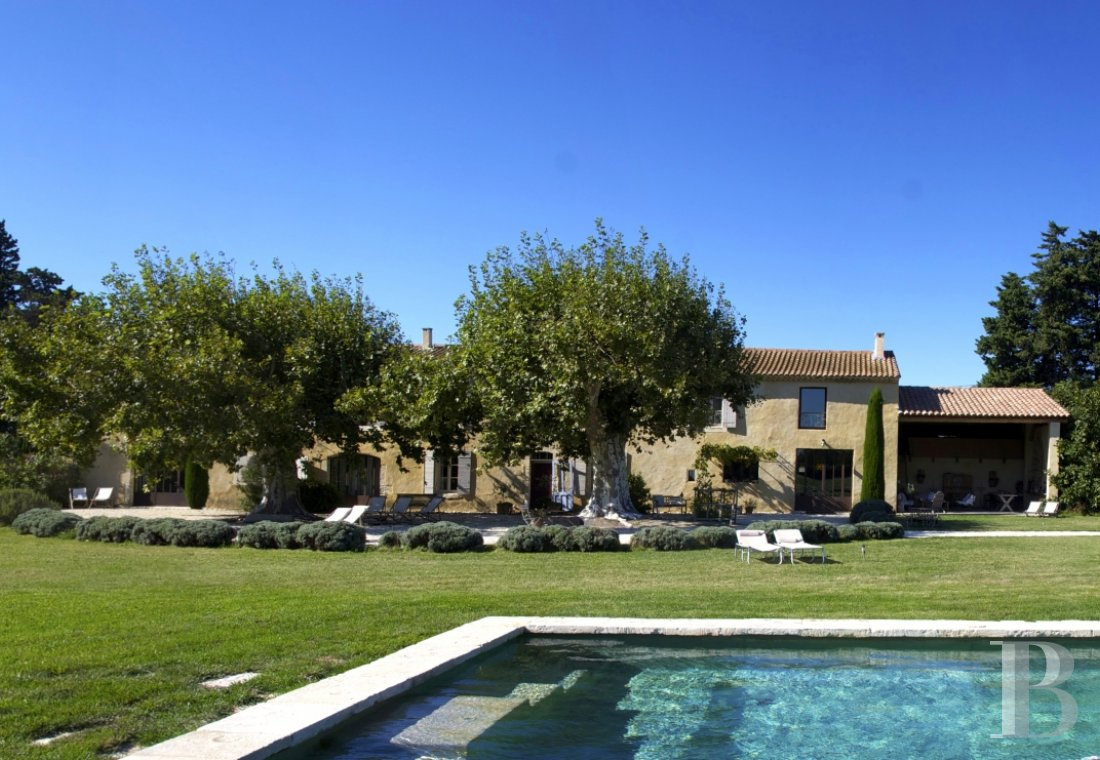 A former 17th century coaching inn  for provincial holidays with family or friends to the east of Avignon  - photo  n°5