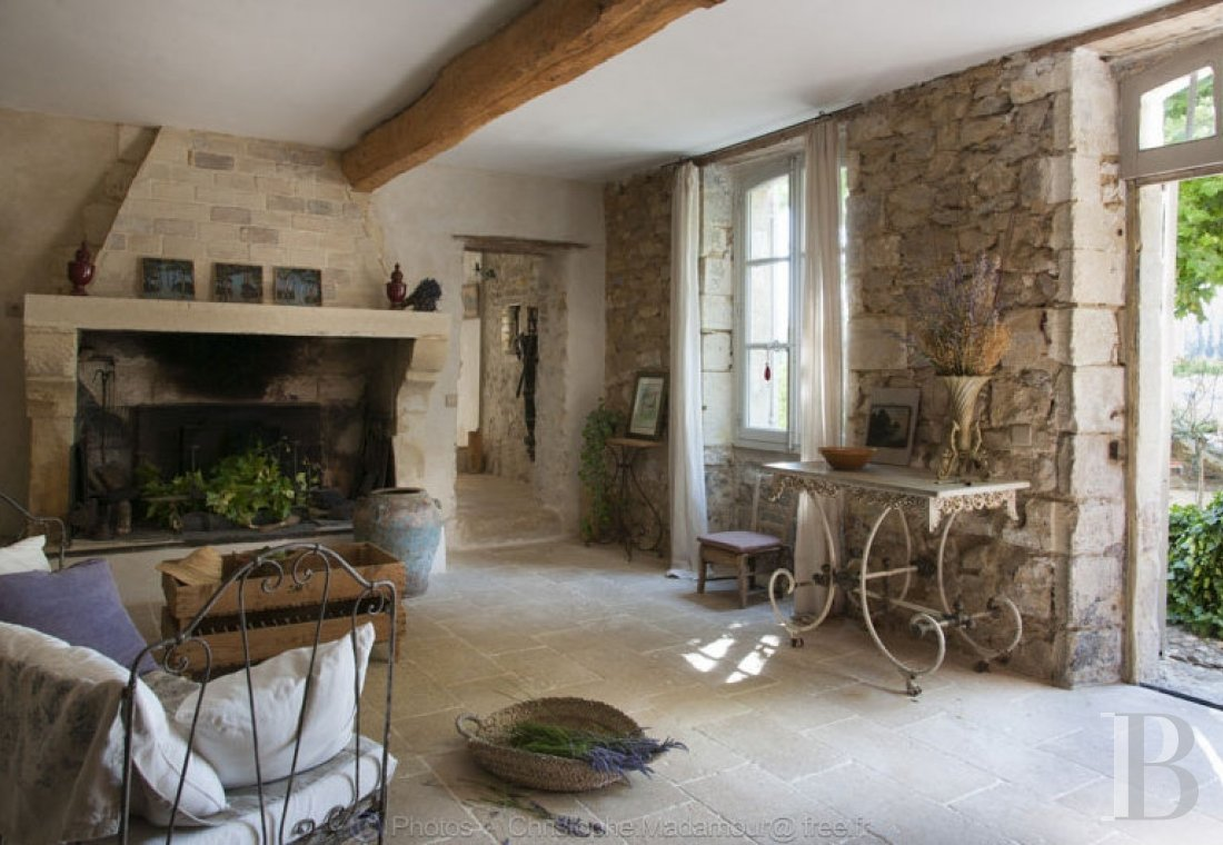A former 17th century coaching inn  for provincial holidays with family or friends to the east of Avignon  - photo  n°11