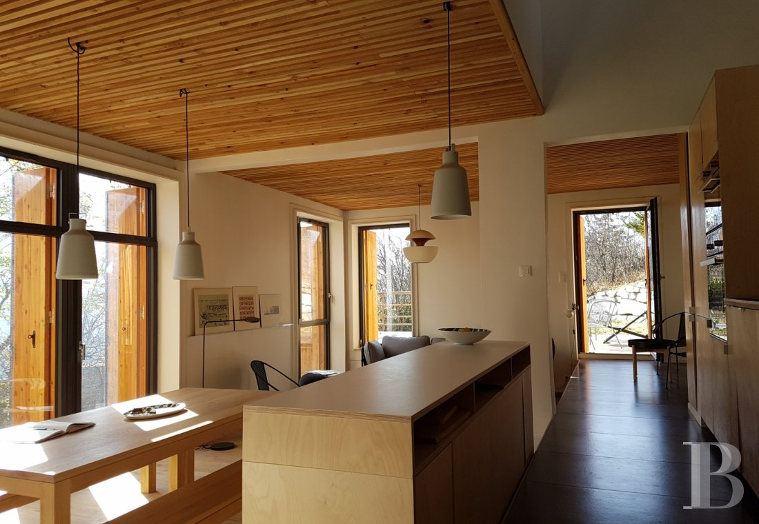 A contemporary chalet overlooking the Durance valley in the south-west of Briançon - photo  n°4
