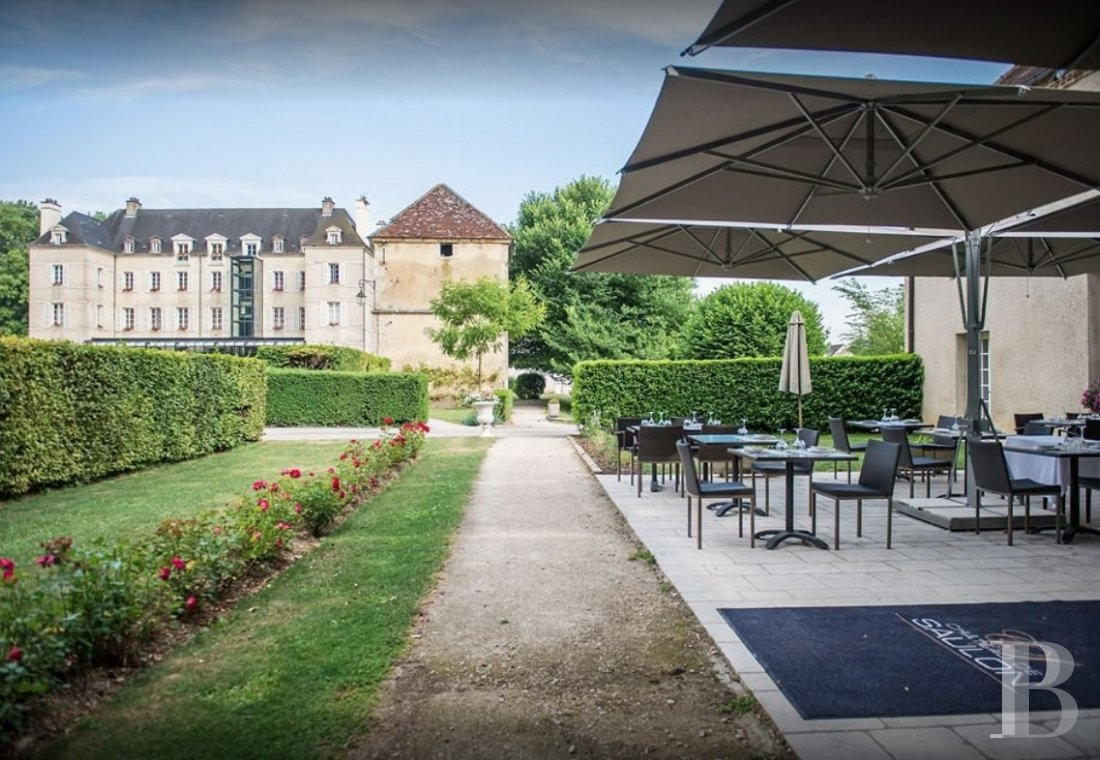 A 17th century chateau-hotel  in Burgundy, not far from the Route des Grands Crus  - photo  n°4