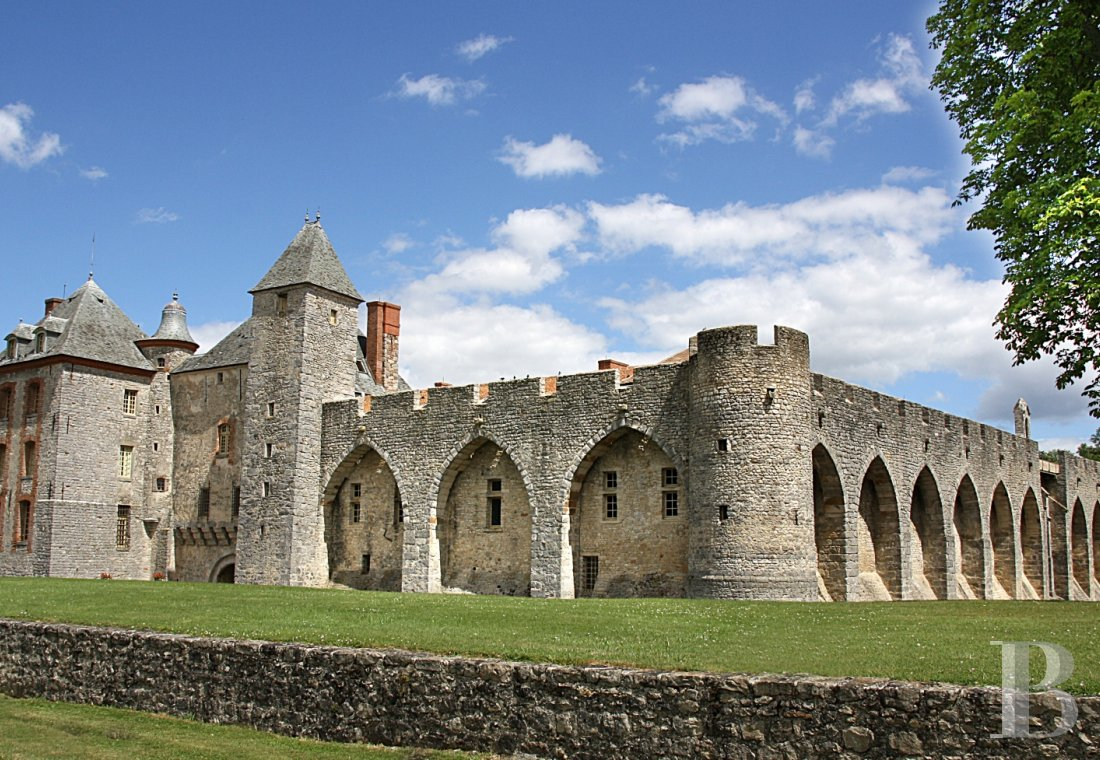 A medieval fortress transformed into a fairy tale castle  in Essonne, less than an hour from Paris - photo  n°3
