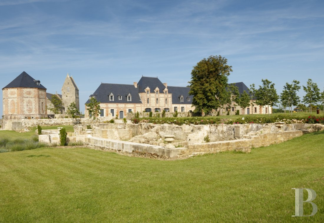 An old 17th century estate near the landing beaches in Cotentin, between Saint-Lô and Cherbourg - photo  n°2