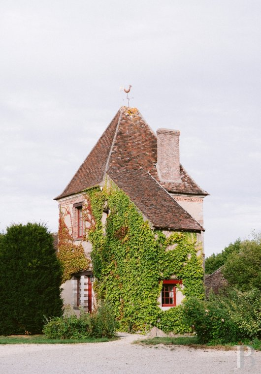 A 17th century chateau open to all arts and cultures in Yonne, Burgundy - photo  n°8