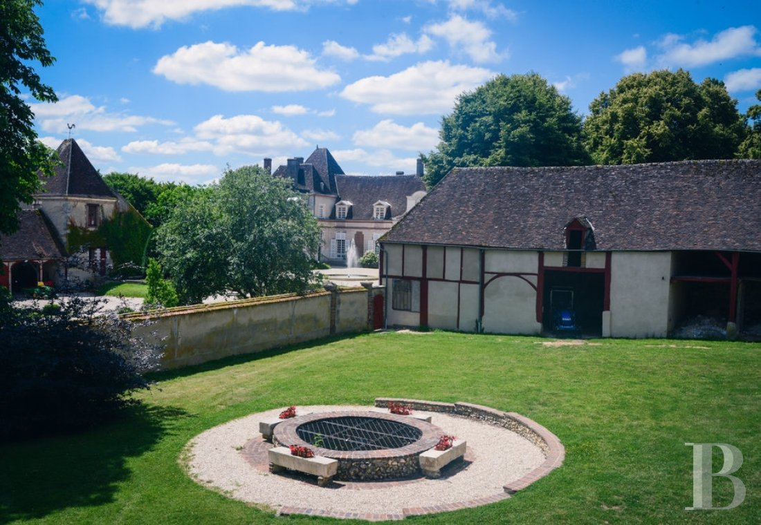 A 17th century chateau open to all arts and cultures in Yonne, Burgundy - photo  n°12