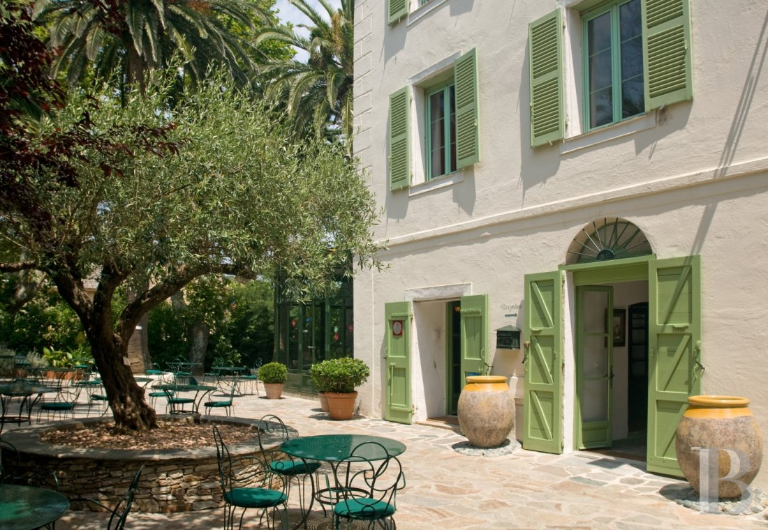 A former 'American House' transformed into a small hotel  in Erbalunga, to the north of Bastia - photo  n°11