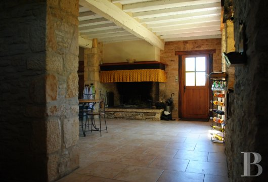 character properties France midi pyrenees   - 7