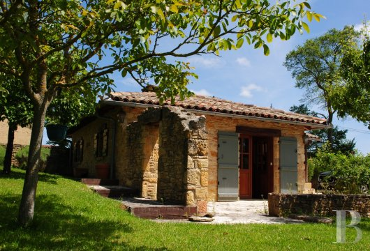 character properties France midi pyrenees   - 14