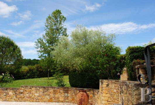 character properties France midi pyrenees   - 19