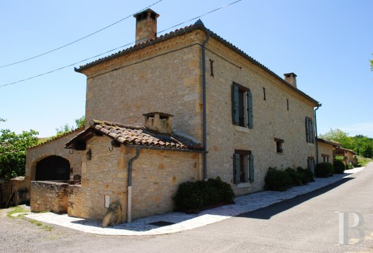 character properties France midi pyrenees   - 2