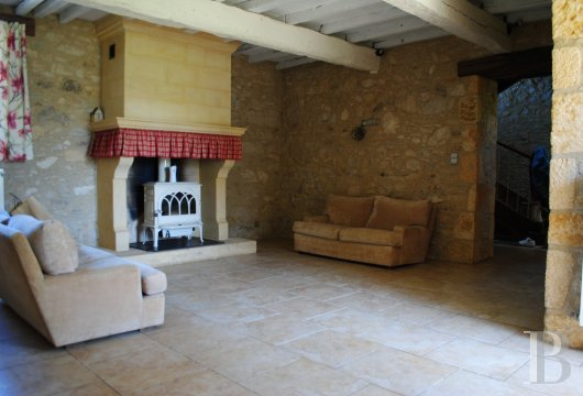 character properties France midi pyrenees   - 6