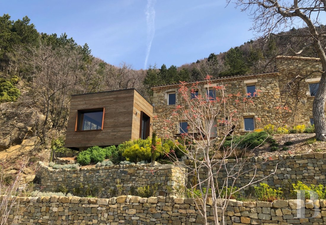 An 18th century hamlet with a contemporary spirit, surrounded by mountains in Drôme Provençale - photo  n°23