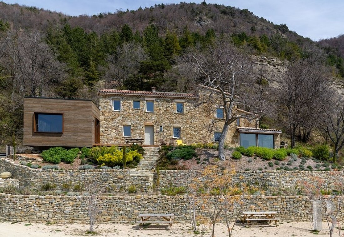 An 18th century hamlet with a contemporary spirit, surrounded by mountains in Drôme Provençale - photo  n°22