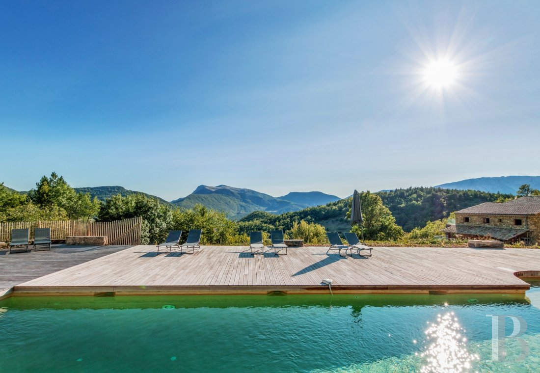 An 18th century hamlet with a contemporary spirit, surrounded by mountains in Drôme Provençale - photo  n°6