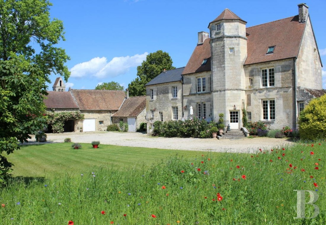 A Renaissance manor entirely devoted to holidays in a village in Aisne, to the north-west of Villers-Cotterêts - photo  n°1