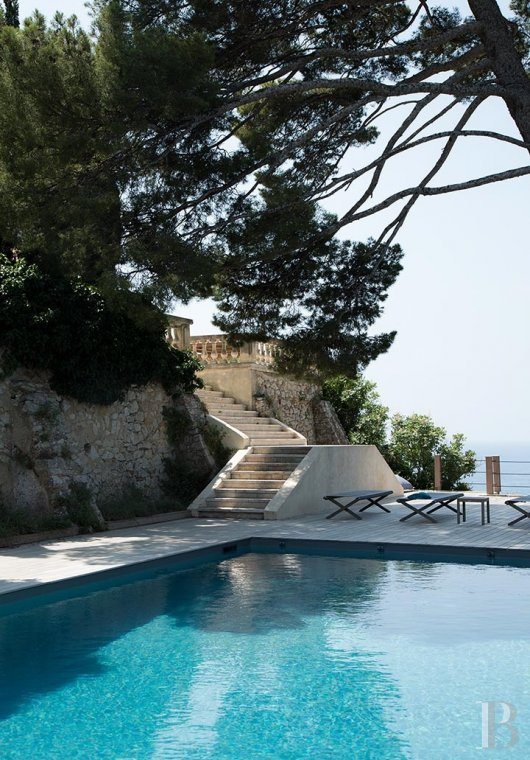 A estate with sixty hectares of land and only the Mediterranean on the horizon in Cassis - photo  n°8