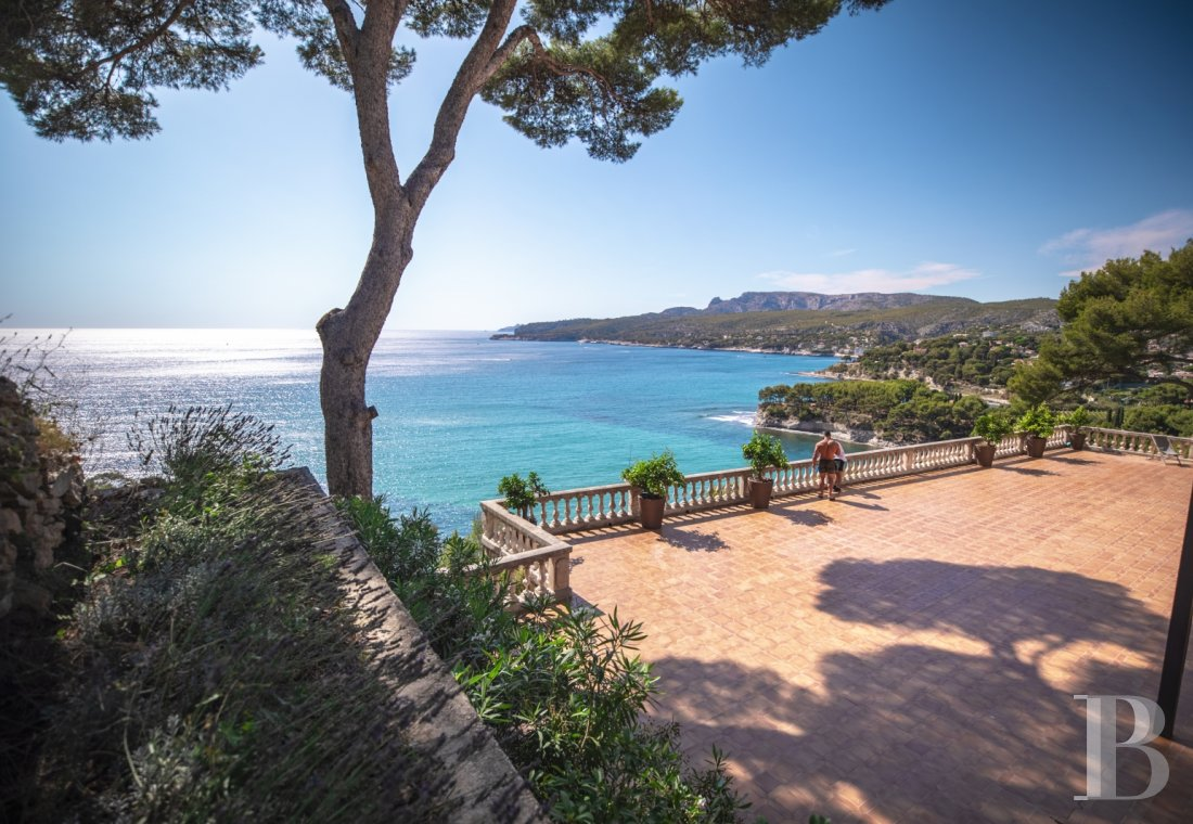 A estate with sixty hectares of land and only the Mediterranean on the horizon in Cassis - photo  n°9