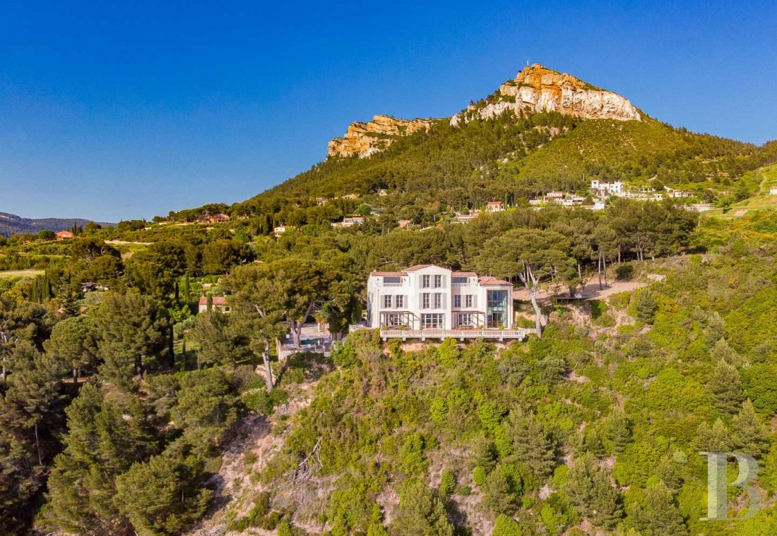 A estate with sixty hectares of land and only the Mediterranean on the horizon in Cassis - photo  n°28