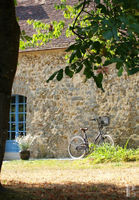 A former water mill at the heart of a vast equestrian estate in the Chevreuse valley - photo  n°5