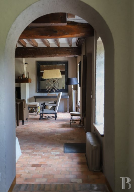 A former water mill at the heart of a vast equestrian estate in the Chevreuse valley - photo  n°16