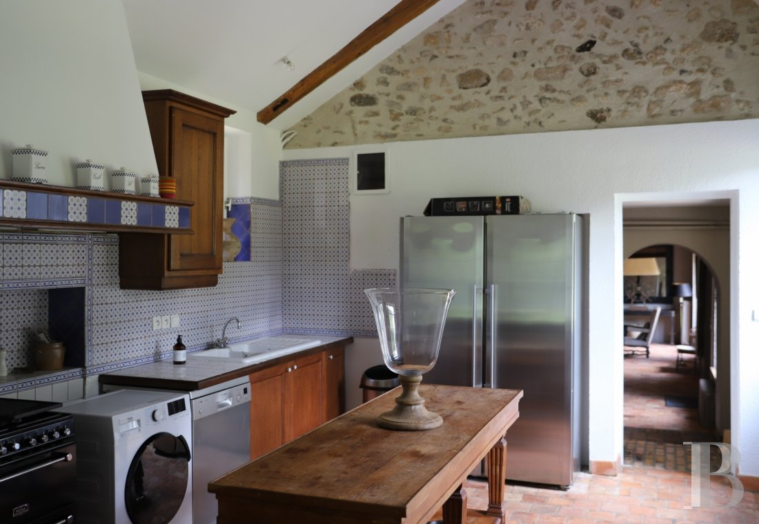 A former water mill at the heart of a vast equestrian estate in the Chevreuse valley - photo  n°15