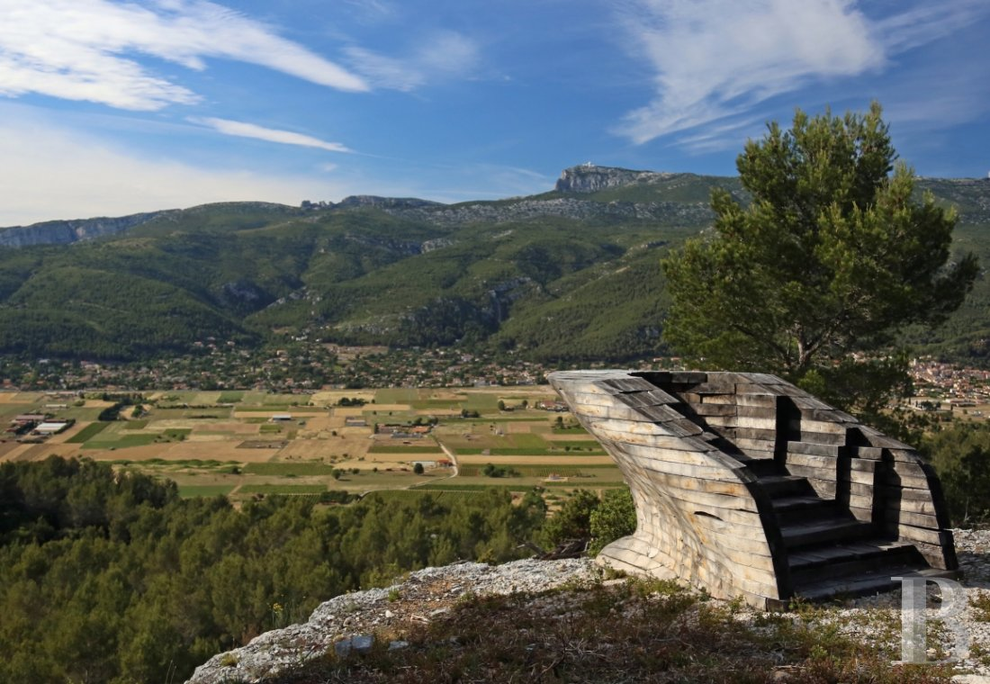 A vast estate with three gites in a nature reserve in the the Var - photo  n°2