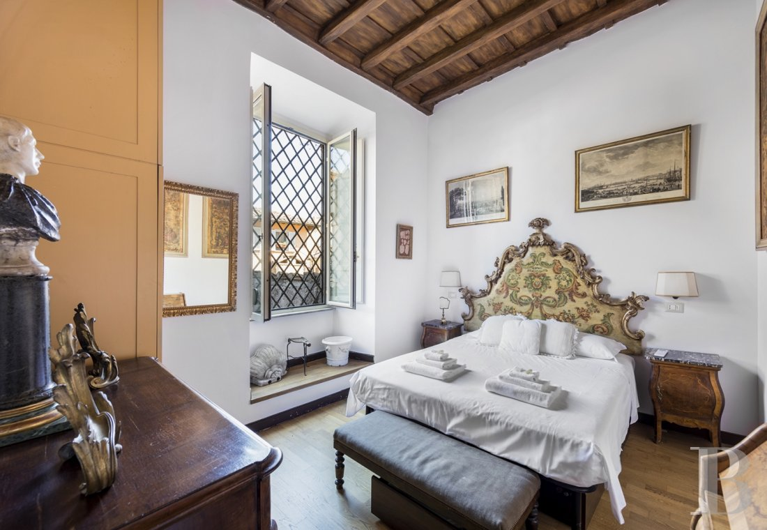 An apartment in a 16th century palazzo very close to Piazza Navona in Rome - photo  n°16