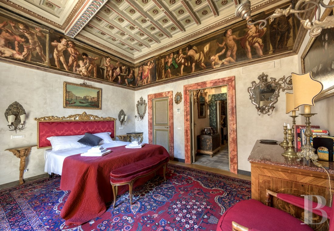 An apartment in a 16th century palazzo very close to Piazza Navona in Rome - photo  n°13