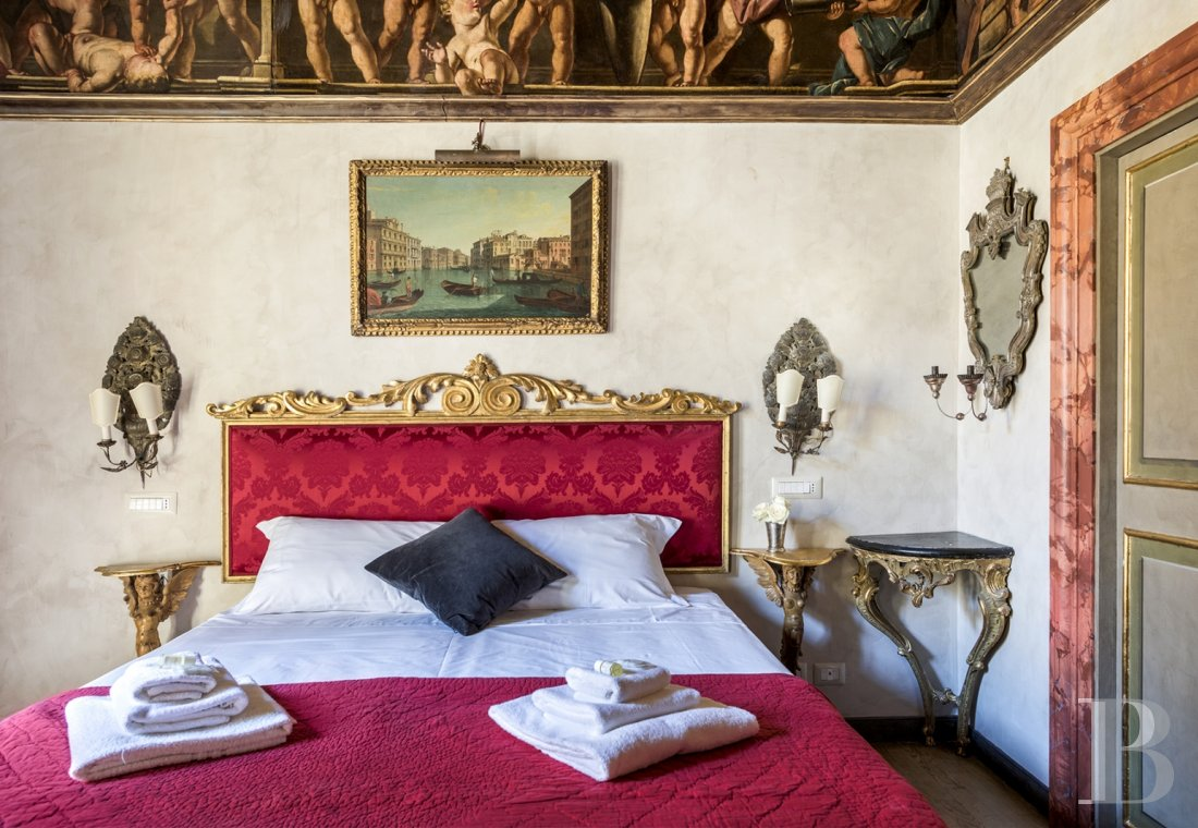 An apartment in a 16th century palazzo very close to Piazza Navona in Rome - photo  n°14