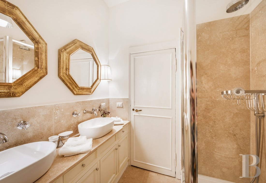 An apartment in a 16th century palazzo very close to Piazza Navona in Rome - photo  n°12