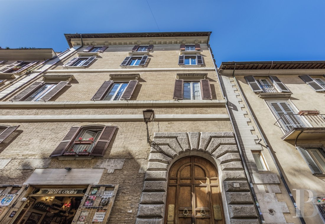 An apartment in a 16th century palazzo very close to Piazza Navona in Rome - photo  n°1