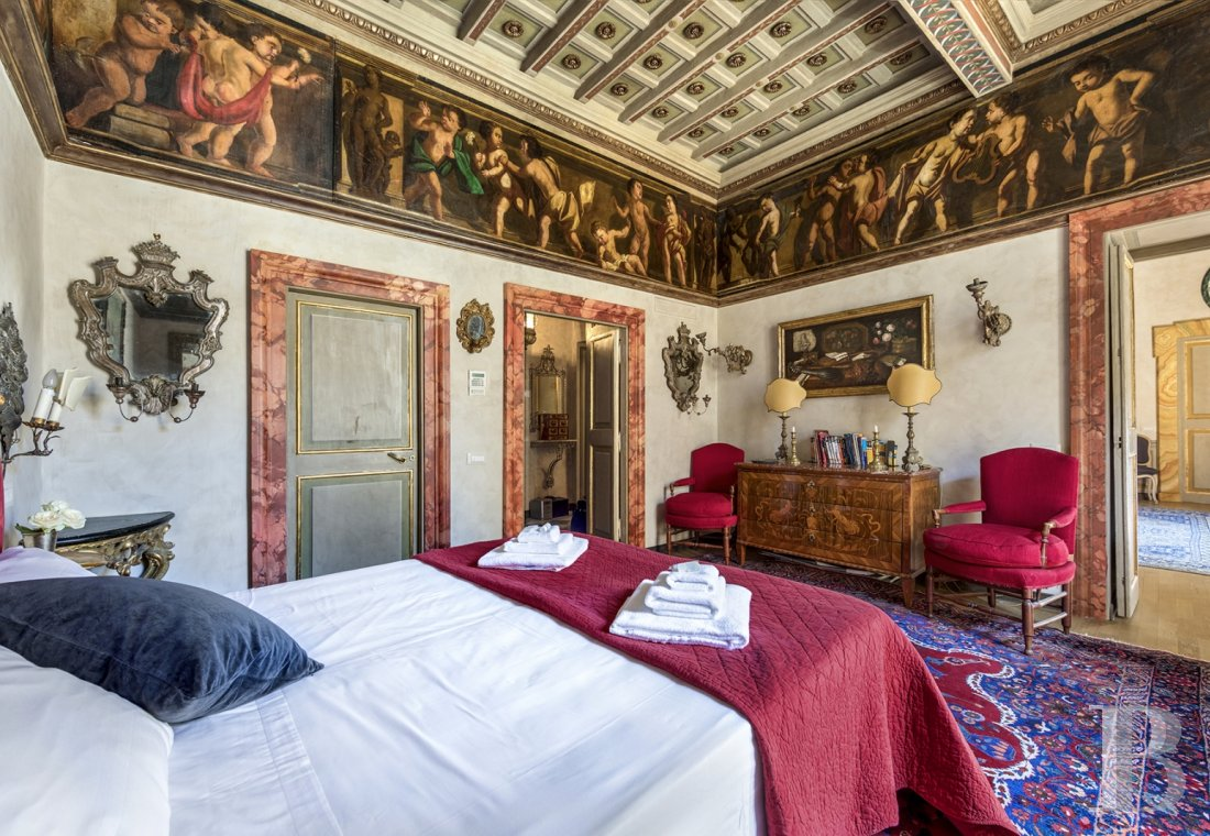 An apartment in a 16th century palazzo very close to Piazza Navona in Rome - photo  n°15