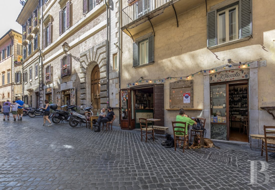 An apartment in a 16th century palazzo very close to Piazza Navona in Rome - photo  n°2