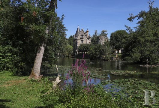 A former 12th century royal keep imbued with neo-Gothic dreams in Moret-sur-Loing, to the south of Fontainebleau - photo  n°25