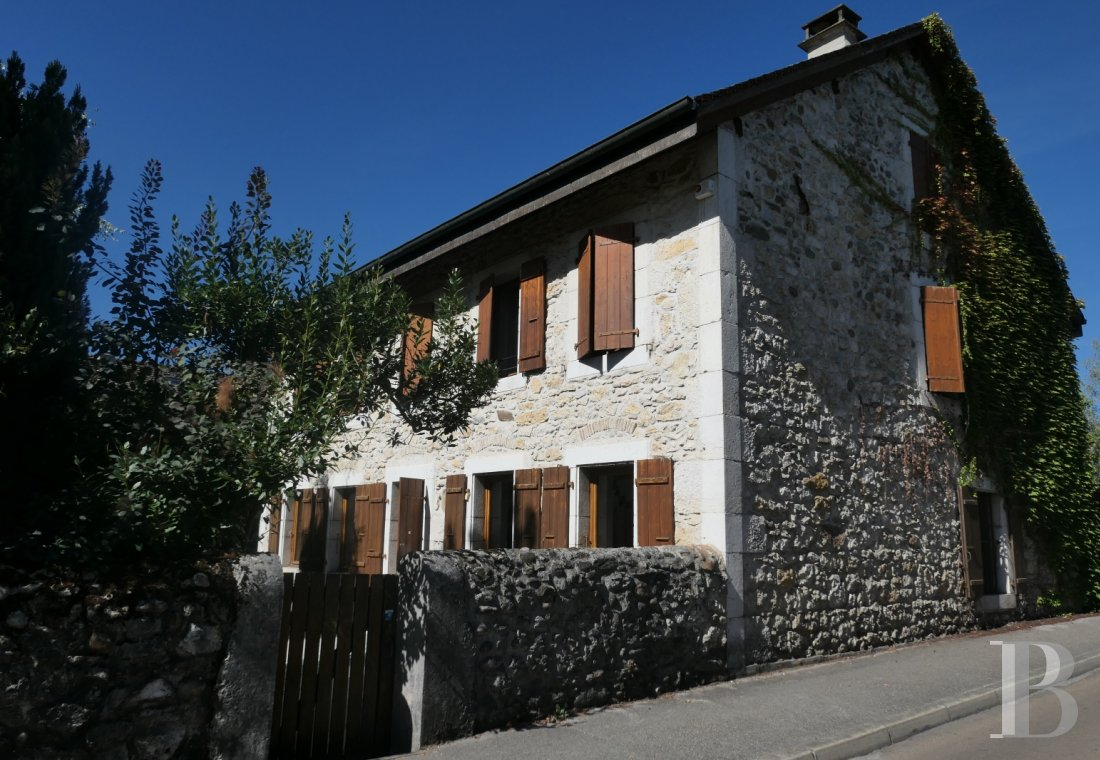 character properties France rhones alps character houses - 1