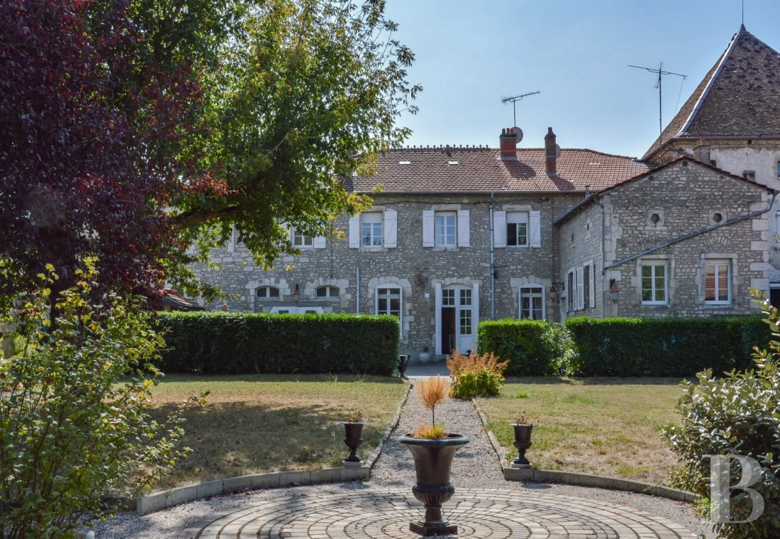 Residences for sale - lorraine - An old, late 18th century convent  in Vaucouleurs, in the Land of Joan-of-Arc
