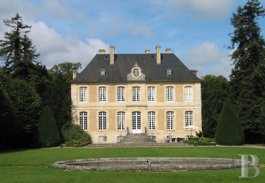 A splendid 18th century chateau surrounded by a walled park in the Calvados region, just south of Caen - photo  n°5