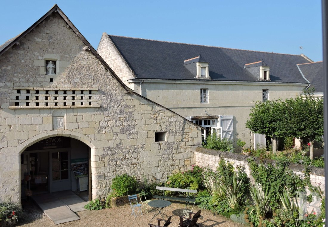 A family house with monastic origins transformed into a hotel and guest house right by the banks of the Loire, between Saumur and Chinon - photo  n°7