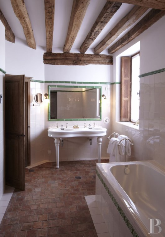 A guesthouse and spa like no other,  just an hour and a half from Paris in the heart of the Puisaye region - photo  n°21