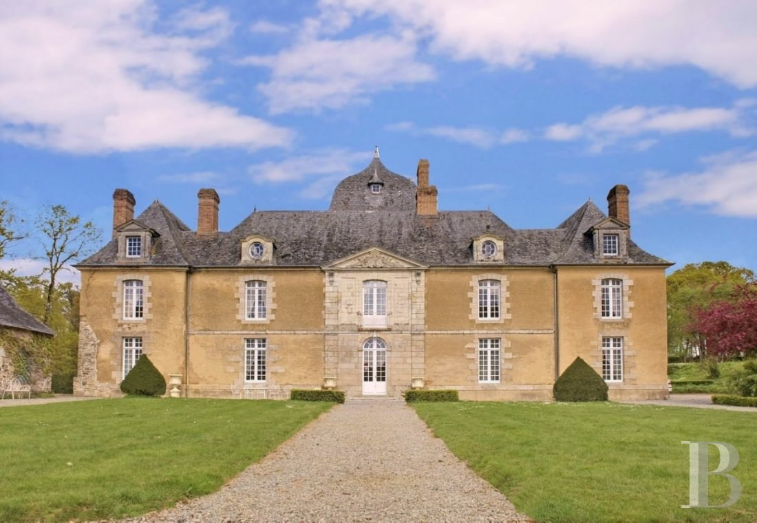 A chateau open to all imaginations in the heart of legendary Brittany, to the south of Rennes - photo  n°1