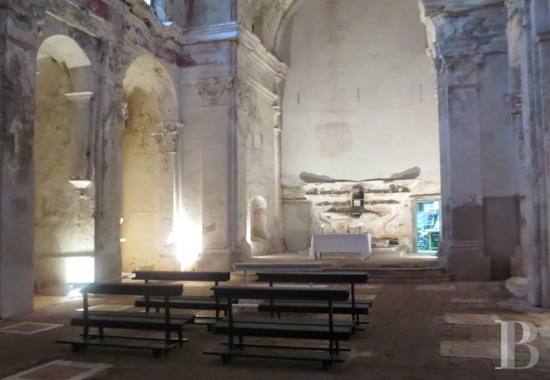 A place of worship that has become a creative hub just twenty minutes from Bastia on the way to Saint-Florent - photo  n°12