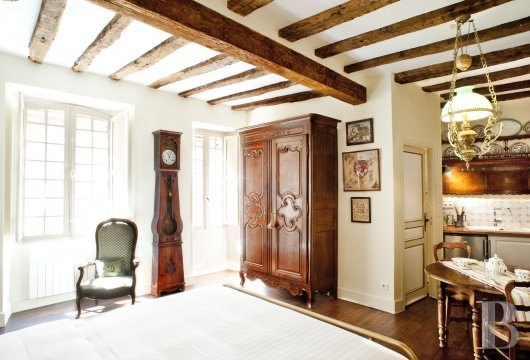 A former mansion with medieval origins now housing five bright suites in Sarlat - photo  n°19