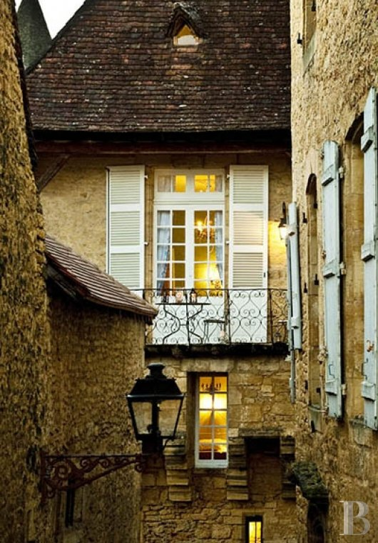 A former mansion with medieval origins now housing five bright suites in Sarlat - photo  n°21