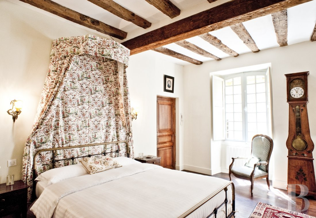 A former mansion with medieval origins now housing five bright suites in Sarlat - photo  n°12
